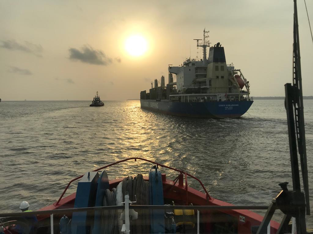 Successful salvage in Douala by RT Zoe and RT Margo